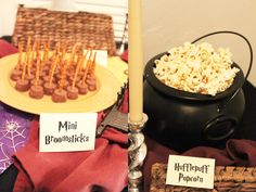 Harry Potter baby shower / party -- Well, now I know what I'm gonna do for the s. - Harry Potter baby shower / party -- Well, now I know what I'm gonna do for the shower if I ever have a baby. (which I don't plan on, but just in case) Harry Potter Snacks, Baby Harry Potter, Harry Potter Motto Party, Harry Potter Fiesta, Harry Potter Marathon, Harry Potter Halloween Party, Harry Potter Nursery, Theme Harry Potter, Harry Potter Baby Shower
