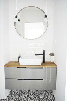 Ronde spiegels in de badkamer zijn net even anders dan een rechthoekige. Een ronde spiegel maakt indruk, helemaal als je een extra grote spiegel kiest!