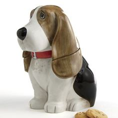 Food Storage - In honor of The Pioneer Woman's beloved Bassett Hound, it's the Charlie Dog Cookie Jar! Come Home to Comfortable Living Through the Country Door! Pig Kitchen Decor, Lemon Kitchen Decor, Kitchen Ware, Homemade Dog Cookies, Homemade Dog Food, Pioneer Woman Cookies, Pioneer Woman Kitchen, Bassett Hound, The Ranch