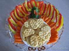 What a great way to arrange the veggie tray for Thanksgiving!