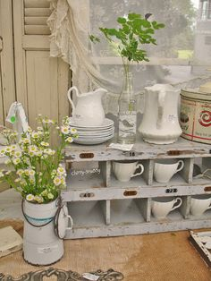 Galvanized chicken roosts for above Cathye's Kitchen Cabinets Junk Chic Cottage, Cozy Cottage, Cottage Homes, Cottage Style, Romantic Cottage, French Country Kitchens, French Country House, Cottage Design, House Design