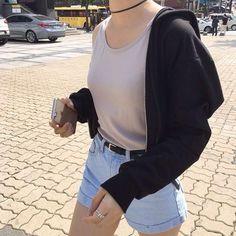 Korean Fashion – How to Dress up Korean Style – Designer Fashion Tips Estilo Indie, Estilo Grunge, 90s Fashion, Korean Fashion, Fashion Outfits, Fashion Trends, Style Fashion, Cool Outfits, Summer Outfits