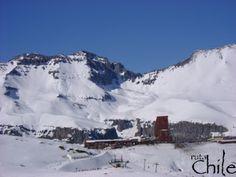 TOUR VALLE NEVADO  Para los Amantes de la naturaleza y el Ski, en este tour podremos visitar el reconocido centro de Ski Valle Nevado. Un tour panorámico al mejor precio que no puede dejar de realizar..