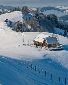 Homestead in winter Snow Scenes, Winter Scenes, Zermatt, Winterthur, Winter Landscape, Places To See, Beautiful Places, Hotels, Around The Worlds