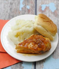 Perfectly Glazed Slow Cooker Chicken | This easy chicken recipe never makes for a dry or flavorless meal.