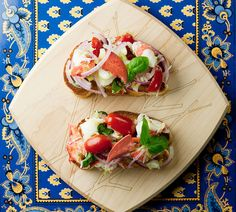 This easy recipe for lobster bruschetta is the perfect fancy appetizer or light lunch. Full of seafood and vegetable goodness! Lobster Recipes, Fish Recipes, Seafood Recipes, Appetizer Recipes, Cooking Recipes, Cooking Tips, Lobster Risotto, Lobster Salad, Grilled Lobster