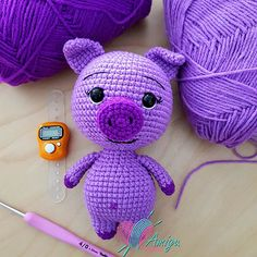Let the crochet colorful worm amigurumi enchant you! This big worm cute and colorful will appeal to all big and little fans of amigurumi. Crochet Animal Patterns, Stuffed Animal Patterns, Crochet Patterns Amigurumi, Amigurumi Doll, Crochet Animals, Stuffed Animals, Crochet Pig, Crochet Dolls, Free Crochet