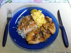 """Comida de quem quer emagrecer: Arroz, molho, frango, suflê de legumes e """"nada mais"""" :)  (foto by @Luis Tamiosso (luccks))"""