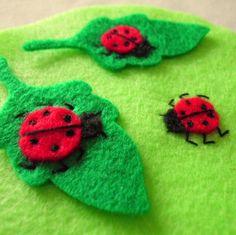 Felt ladybird tutorial - an idea for birthday party clothes or decorations Ladybug Felt, Ladybug Party, Felt Diy, Felt Crafts, Cute Little Things, Nice Things, Felting Tutorials, Felt Patterns, Felt Christmas