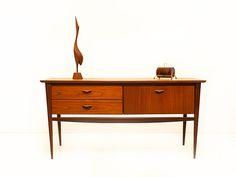Small vintage Louis van Teeffelen sideboard | Vintage Furniture Base