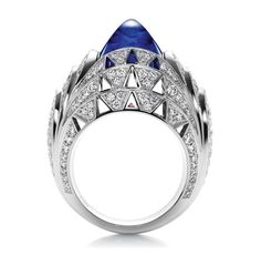 Since Harry Winston has transformed diamonds into art and revolutionized modern jewelry and watch design. Visit the official Harry Winston website. Harry Winston, Winston Blue, Expensive Diamond Rings, Cushion Cut Diamond Ring, Art Deco, Piercings, Ring Verlobung, Star Ring, Stone Rings