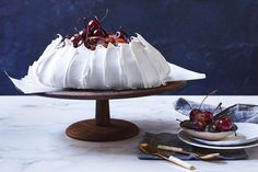 From Christmas puddings and cakes to festive pavlovas and meringue recipes, we've compiled 100 of your favourite Christmas recipes in one easy-to-find spot. Christmas Ice Cream, Frozen Christmas, Christmas Pudding, Christmas Trifle, Christmas 2019, Christmas Desserts Easy, Christmas Ideas, Christmas Recipes, Christmas Planning