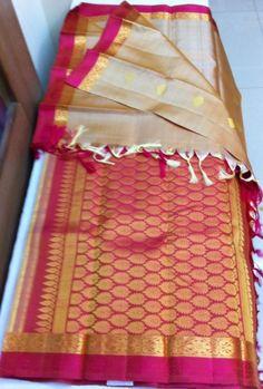 Wedding elegant chic bridesmaid hair ideas for 2019 Kanjivaram Sarees, Kanchipuram Saree, Kurti, Soft Silk Sarees, Cotton Saree, Saree Blouse Neck Designs, Blouse Designs, Bridesmaid Saree, Saree Dress