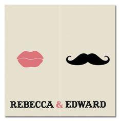Huwelijksuitnodiging met een knipoog. Een snor en een stel sexy lippen geven deze conceptuele trouwkaart een zekere minimalistische, strakke stijl. De subtiliteit en uitwerking van het ontwerp dragen daar aan bij.