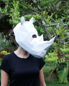 Mascara Rinoceronte DIY - Plantilla   zutopia Paper Crafts, Diy Crafts, Mascara, Sculptures, Collection, Rhinos, Plants, Template, Mascaras