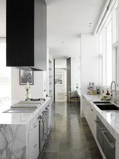 narrow kitchen, windows above sink.  desire to inspire - desiretoinspire.net - Dianna Snape and the art of architectural photography