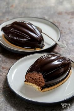 New chocolate desserts mini 44 ideas Chocolate Bonbon, Chocolate Mousse Recipe, Chocolate Delight, Chocolate Cupcakes, Chocolate Desserts, No Bake Desserts, Delicious Desserts, Cupcake Recipes, Dessert Recipes