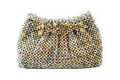 Vera - Clutch em cristais furta-cor com fecho em metal e flores. #handmade #clutches #cristalclucthes #acessorios #luxo #bolsas #handbag