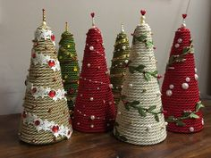 Diy Christmas Decorations Easy, Christmas Tree Crafts, Primitive Christmas, Christmas Projects, Winter Christmas, Handmade Christmas, Holiday Crafts, Theme Noel, Craft Fairs