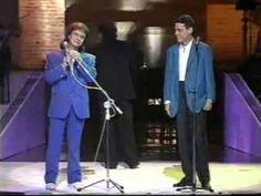 """ROBERTO CARLOS E CHICO BUARQUE - """"Carolina"""" e """"O que será que será"""" (Chico Buarque)."""