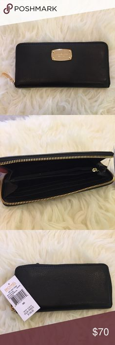 Michael Kors Zip Around CONTINENTAL Wallet Brand: Michael Kors Material: Pebbled leather Style: Wallet Features: Zip-Around Color: Black Michael Kors Bags Wallets
