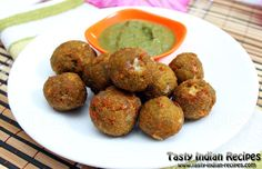 Spinach Cheese Balls Recipe is the popular Indian Snack dish, fully power packed, made with Spinach (Palak), Boiled Potatoes, Paneer and Processed Cheese.