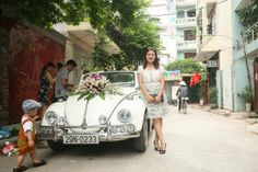 Phuong Doan The's 1967 VW Beetle. It's a top chopped or a replica of a cabriolet. Phuong sometimes rents his convertible for wedding. He is from Ha Noi, Viet Nam. So, when you would like to visit Vietnam in a vert like that, join him at: https://www.facebook.com/phuong.doanthe