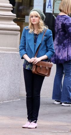 "The beautiful Emma Stone and her 11"" Vintage satchel on the set of the The Amazing Spiderman 2 in New York City."