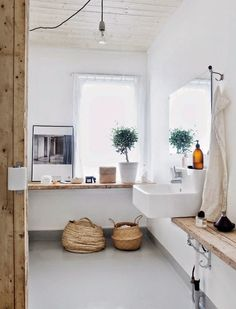 Méchant Studio Blog: white and wood