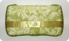 homemade by jill: wipes clutch tutorial  This would be great as a baby shower gift.