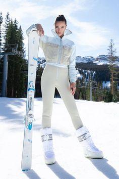 Apres Ski Outfits, Apres Ski Boots, Apres Ski Fashion, Mode Au Ski, Hippe Tattoos, Ski Bunnies, Ski Wear, Mode Outfits, Aspen