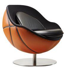 Keine zwei Meter groß, aber genauso eindrucksfull wie die NBA-Spieler: der Lillus NBA Loungesessel.