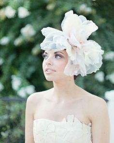 Beautiful blossoms in your hair   weddingomania
