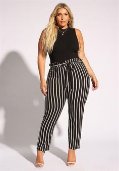 Plus Size Pinstripe Paperbag Pants - Sophisticated Work Attire and Office Outfits for Women Business Casual Outfits, Professional Outfits, Business Fashion, Plus Size Business Attire, Plus Size Professional, Casual Office Wear, Work Casual, Smart Casual, Xl Mode