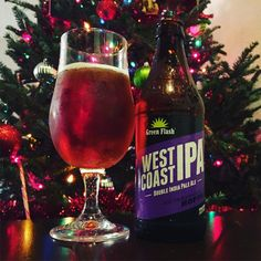 Not sure which one smells better, but @greenflashbeer wins in taste! #craftbeer #ipa #dipa #beer #christmastree [photo: lmunzie on Instagram]