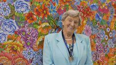 As paredes do Ekoa Café mostram a partir deste sábado, 15 de outubro, a trajetória de uma artista singular: Tetê Brandolim
