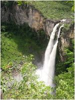 Cachoeira 120, na Chapada dos Veadeiros
