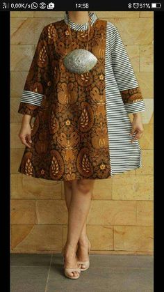 A collection of the best and Latest Casual African Ankara Styles. These casual ankara styles and casual ankara designs were specifically selected for your taste of casual ankara styles African Dresses For Women, African Print Dresses, African Attire, African Wear, African Fashion Ankara, African Print Fashion, Africa Fashion, Ethnic Fashion, Ankara Stil