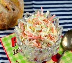 Salada de repolho e cenoura com molho cremoso