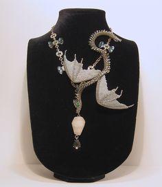 Серо-серебристый Змей или тот кто запутался в волосах. | biser.info - всё о бисере и бисерном творчестве