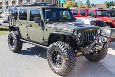 Custom 2015 Jeep Wrangler Unlimited Rubicon Tank - Maximus-3 Roof Rack