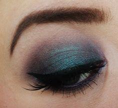 Makeup Geek Duochrome Eyeshadow in Secret Garden + Makeup Geek Eyeshadow in Brownie Points. Look by: Silje Beate Light Eye Makeup, Sexy Eye Makeup, Beauty Makeup, Makeup Tips, Makeup Inspo, Makeup Inspiration, Makeup Geek Cosmetics, Eyeshadow Looks, Duochrome Eyeshadow