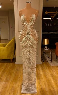 Glam Dresses, Event Dresses, Pageant Dresses, Red Carpet Dresses, Stunning Dresses, Beautiful Gowns, Pretty Dresses, Vetement Fashion, Designer Dresses