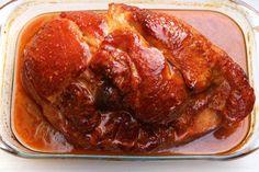 Receta de jamón en salsa de naranja y chipotle, preparado con jamón ahumado, asado en el horno y glaseado con una salsa especiada de naranja