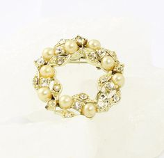Vintage 1950s Traditional Wreath Brooch - Pearls and Clear Rhinestones - Preppy Collar Pin on Etsy, $15.00