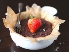 Single-Serving Chocolate Quinoa Flake Microwave Cake