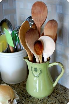 wooden spoons. Reminds me of my first apartment :)