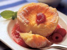 Pienet juustokakut - Reseptit Anna, Tasty, Yummy Food, Party Snacks, No Bake Desserts, Cheesecakes, Margarita, Biscuits, Bakery