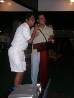 Singing Ruben Blade´s Ligia Elenas with a panamenian member of Pacific Explorer´s crew on the way to Coco´s Island National Park (520 km south west from Punrtarenas), Costa Rica... More details about Roberto at: http://www.solucionturisticasostenible.com