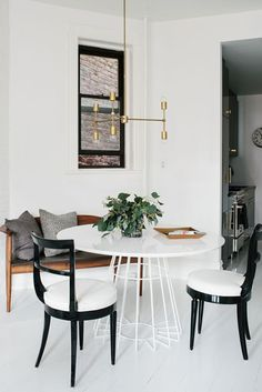 Dining room furniture ideas that are going to be one of the best dining room design sets of the year! Get inspired by these dining room lighting and furniture ideas! Dining Room Light Fixtures, Dining Room Lighting, Dining Room Design, Dining Room Furniture, Dining Area, Dining Rooms, Modern Furniture, Kitchen Dining, Kitchen Nook